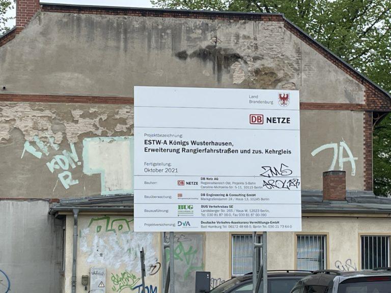 Bauschild für Kehrgleis Bahnhof Königs Wusterhausen, Foto: VBB GmbH