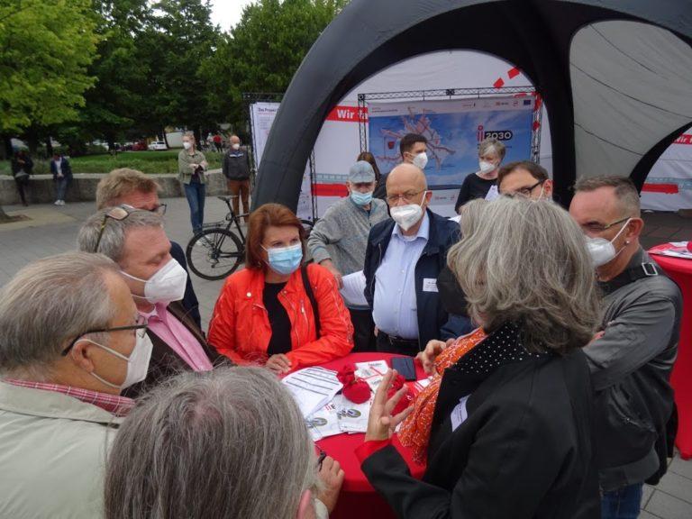 i2030 auf Bahnhofstour in Hennigsdorf, direkter Austausch u.a. mit den Bürgermeistern von Hennigsdorf und Velten, Foto VBB